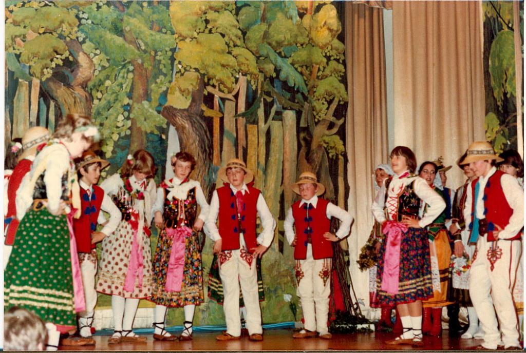 sobotka-swietojanska-1981-zlote-lany